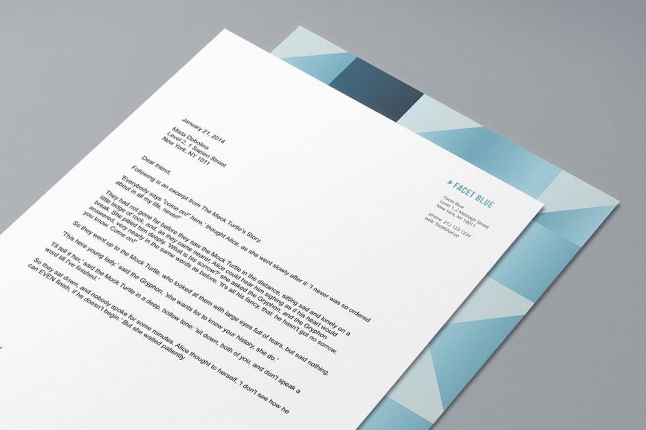 Dettaglio della carta intestata con copertina a motivi geometrici