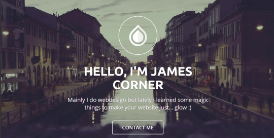 Screenshot: sito internet, tutto in una pagina, con responsive design, su piattaforma WordPress